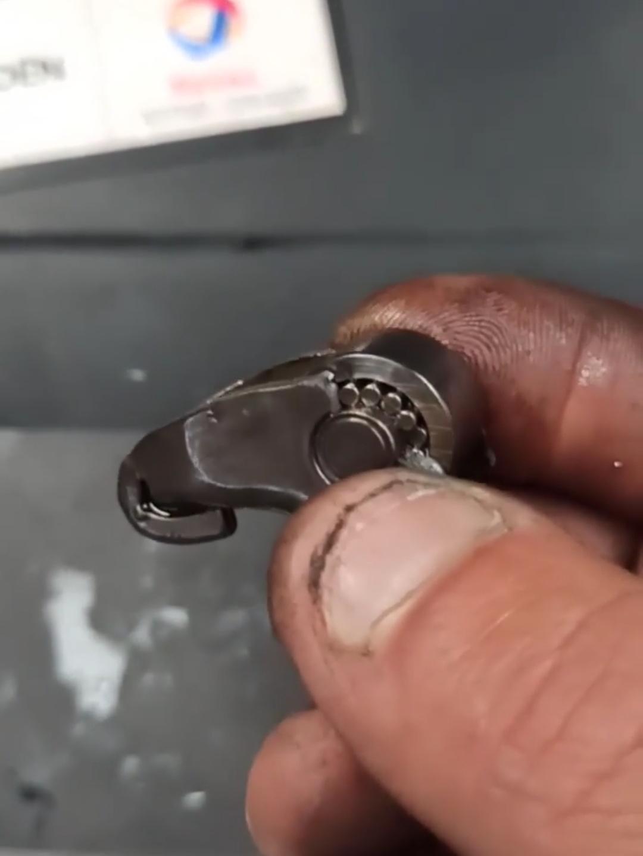Linguet cassé
